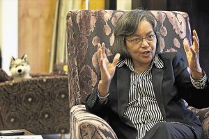 Cape Town mayor De Lille to face motion of no confidence
