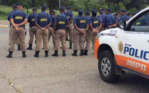 JMPD officer accidentally shoots herself in the tight after arresting motorist - Incompetence perhaps?