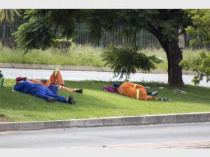 Municipal workers sleeping and not working all day in Krugersdorp? - It's been reported that municipal workers arrive every day just to lie or sit around, making more waste than they actually clean UP