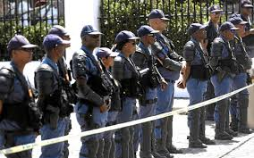 Disgruntled SAPS members form new union and downed tools on Monday, claims that many experienced officers are being overlooked for promotion in the force