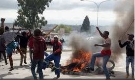 Angry Residents blocked Roads as sporadic protests flare up in Alexandra for third straight day regarding no service delivery – Still voting ANC during the elections?