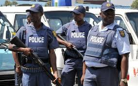 Shocking! 4,174 members of the SAPS have criminal records, for a variety of crimes such as assault, theft, kidnapping and fraud