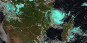 Cyclone Kenneth hits Mozambique and can do more damage than previous cyclone
