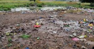 #Sh*thole country! Vaal residents are living in their own waste -