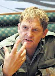 Steve Hofmeyr criticized Mandela after her outburst against whites on social network - as taxpayer they are obliged to obey his orders