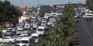 Taxi drivers wreaks havoc in Western Cape amidst ongoing strikes and protest, disrupting traffic from major cities
