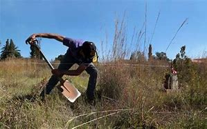 Illegal landgrabbers vowed to start new informal settlement in Kimberley titled 'SCANDAL' and wants to erect around 150 shacks soon