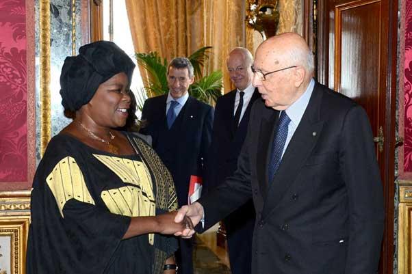 South African Ambassador Nomatemba Tambo presenting her credentials to Italian President Mr Giorgio Napolitano